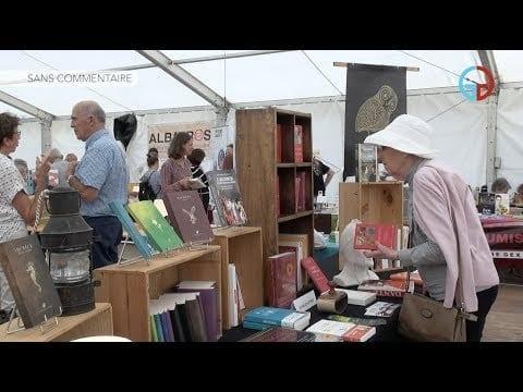 A Ferney-Voltaire, Livres en Lumières se feuillette sous tente !